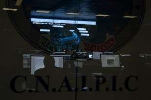 roma polizia postale nella sala operativa