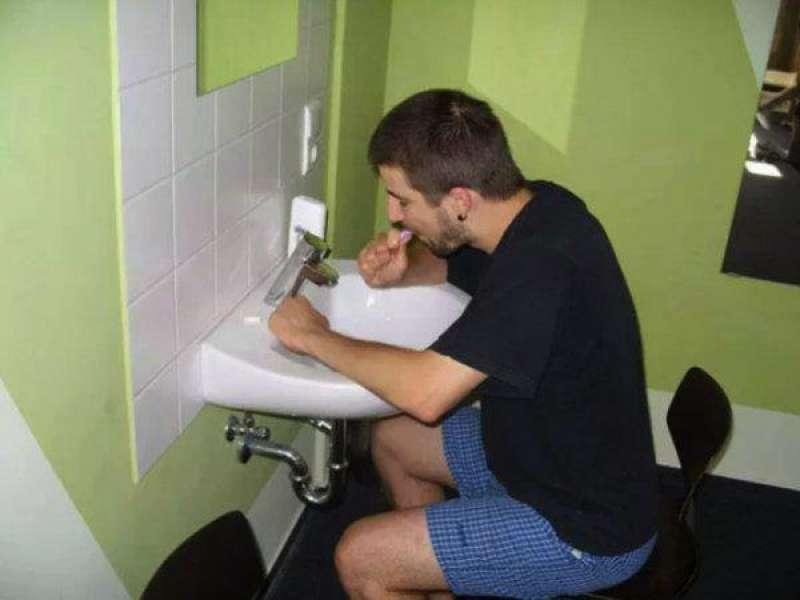 sedia per lavarsi i denti