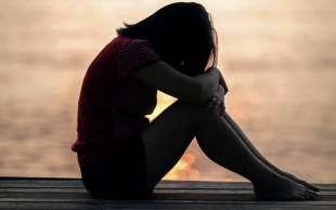ragazzina depressa
