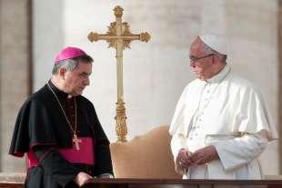 giovanni angelo becciu papa francesco bergoglio