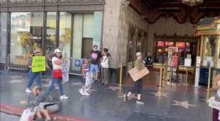 manifestanti no vax los angeles