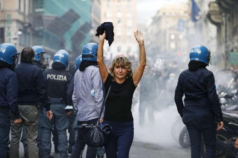 manifestazione no green pass a roma 86