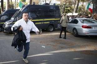 manifestazione no green pass a roma 87