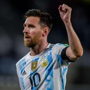 MESSI ARGENTINA URUGUAY