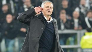 mourinho gesto ai tifosi bianconeri