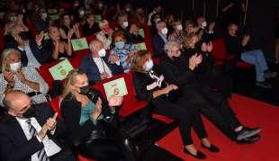 pubblico che applaude foto di bacco