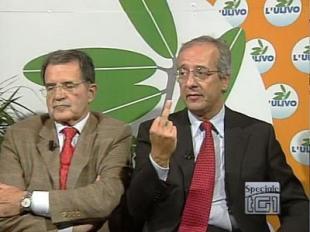 Prodi e Veltroni con dito alzato