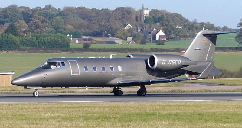 Jet Privato Fiat : Il jet privato di bono e u dago fotogallery