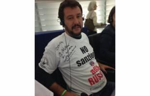 salvini maglietta pro putin pro russia