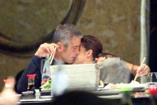 clooney il primo bacio con canalis (3)