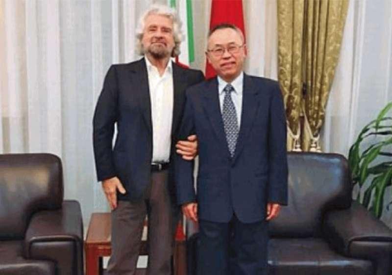 Beppe Grillo con l ambasciatore cinese Li Junhua