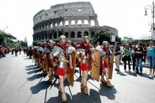 centurioni e gladiatori a roma ai fori imperiali