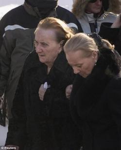 Sua madre Libertina Manno al funerale