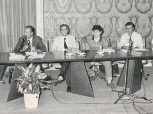 alemanno posta una foto con borsellino nel 1990
