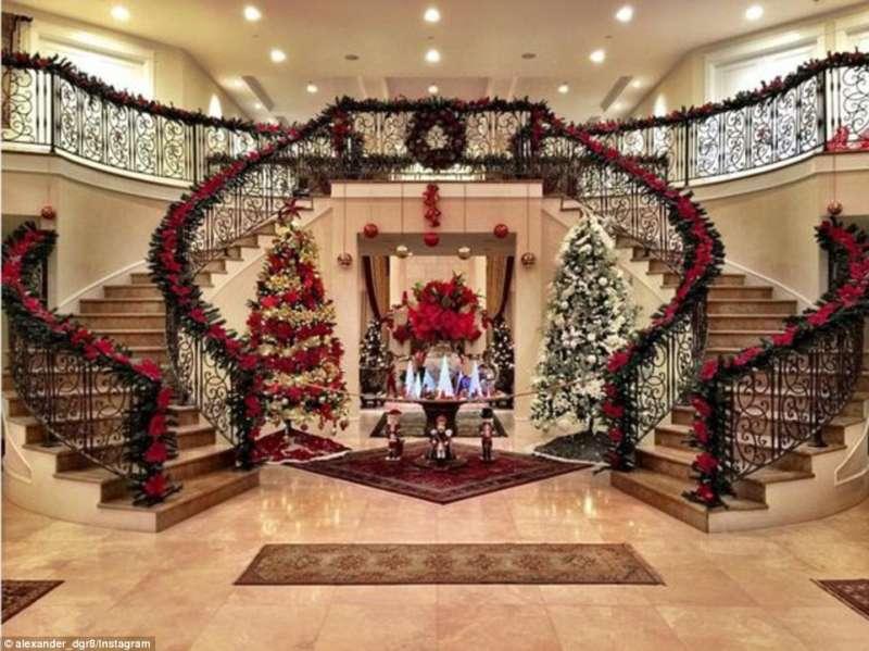 Decorazioni Per Casa Natalizie : La casa di alex bostonian con decorazioni natalizie dago fotogallery