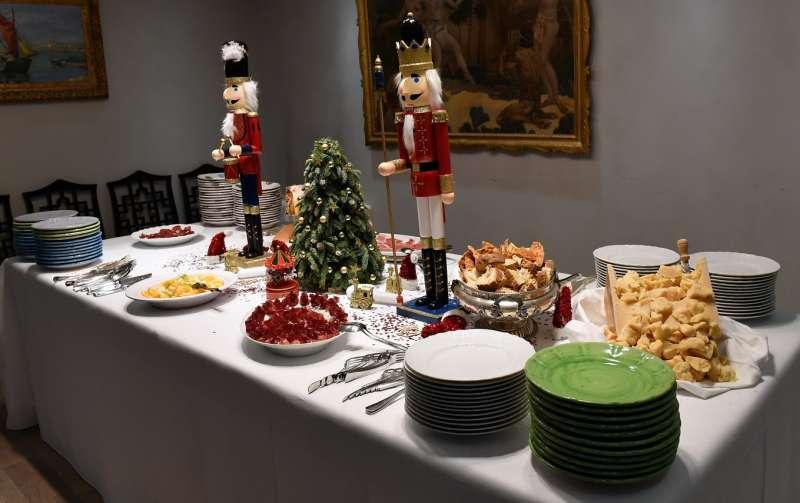 Buffet Natalizio Cookaround : Immagini buffet natalizio: idee per un menu natalizio informale o