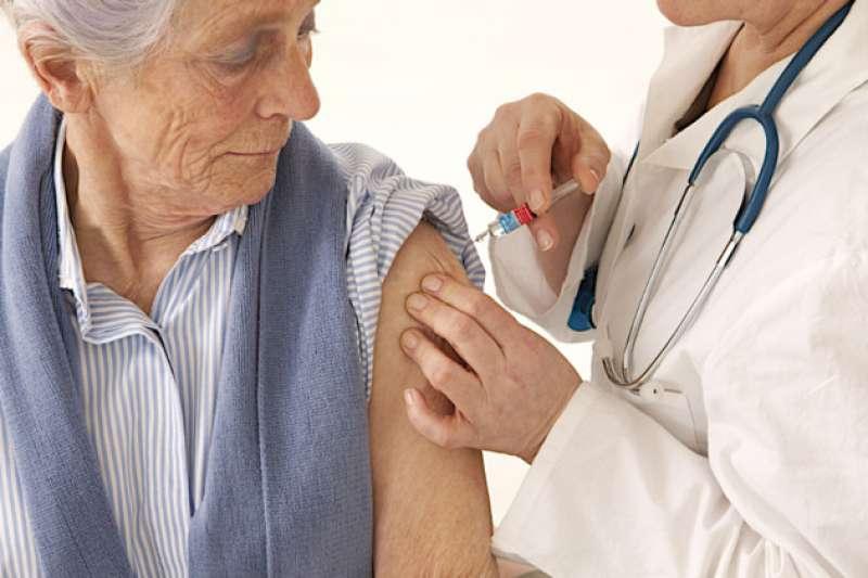anziani vaccino influenza