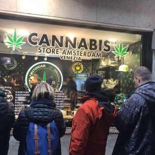 cannabis store amsterdam 7