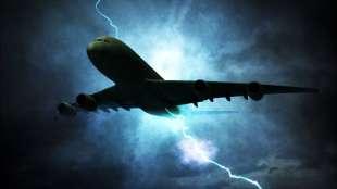 fulmine colpisce aereo 5