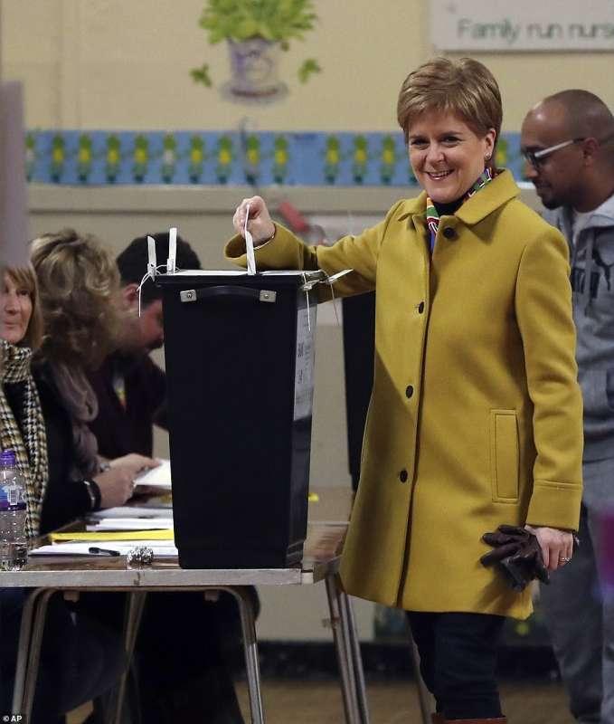 nicola sturgeon al voto