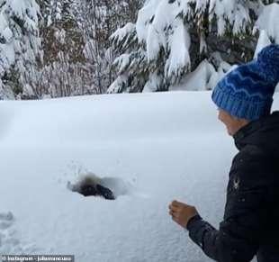 julia mancuso getta il figlio sonny nella neve