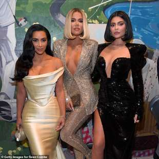 kim kardashian west, khloe kardashian e kylie jenner