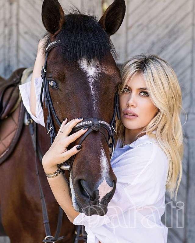 wanda nara e il cavallo
