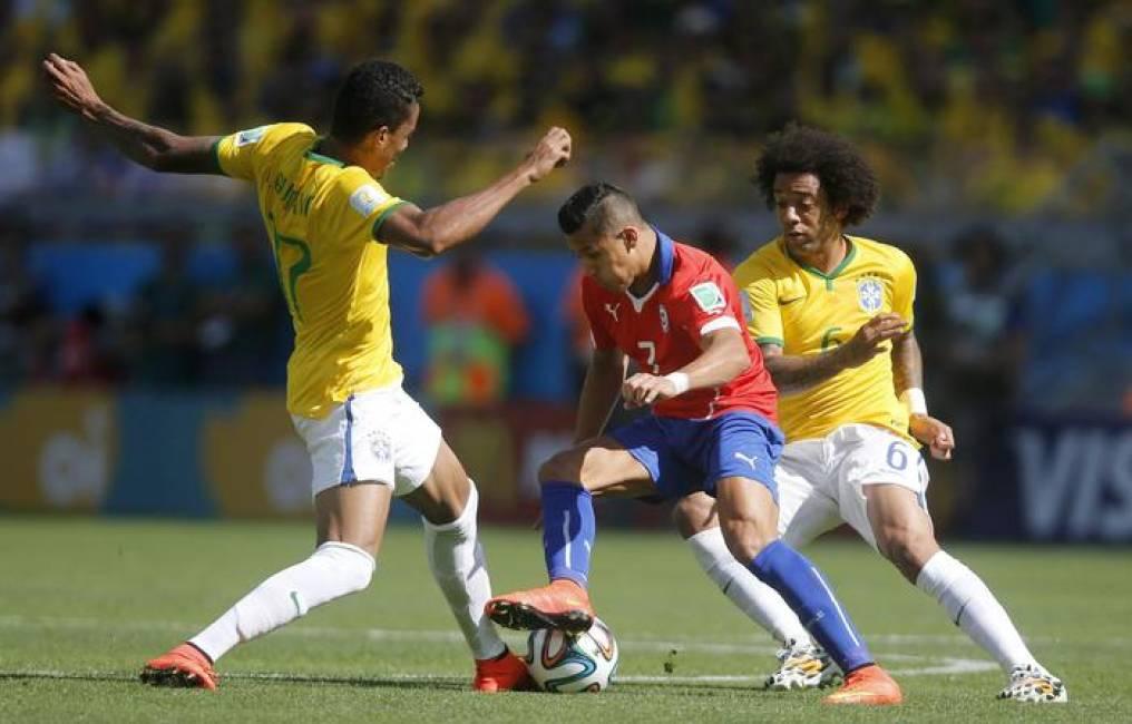1 dotto i cileni piangono ma saranno eroi in patria for Sono due in una partita di calcio